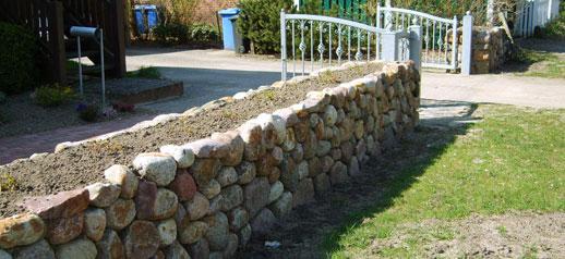 Friesenwall Bepflanzen galabau helms egestorf nordheide friesenwall natursteinmauer